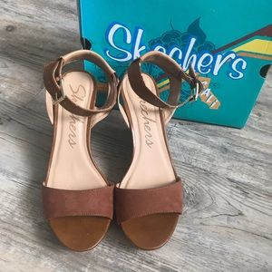 Skechers Strappy Wedge Sandals - 10 M